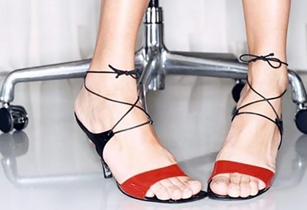 pigeon toes